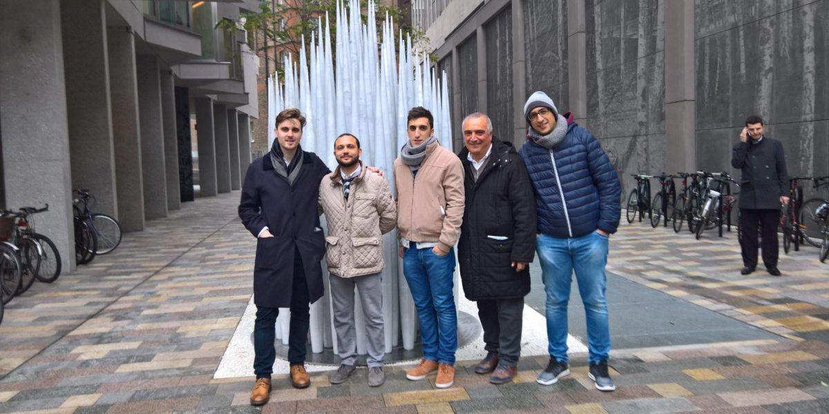 """Andrea Carubia """"conquista"""" Londra: opera in marmo installata a Westminster"""