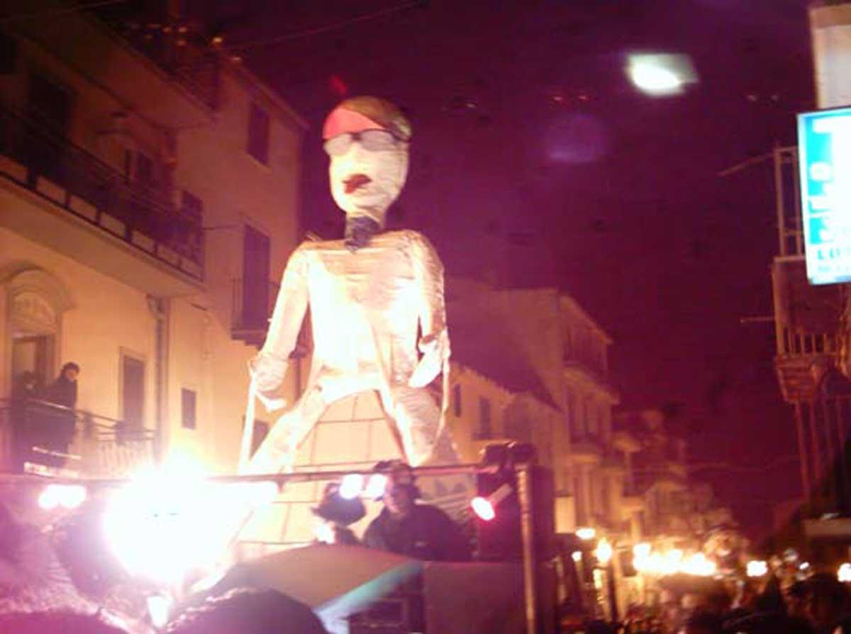 Carnevale 2004 - Piramidi
