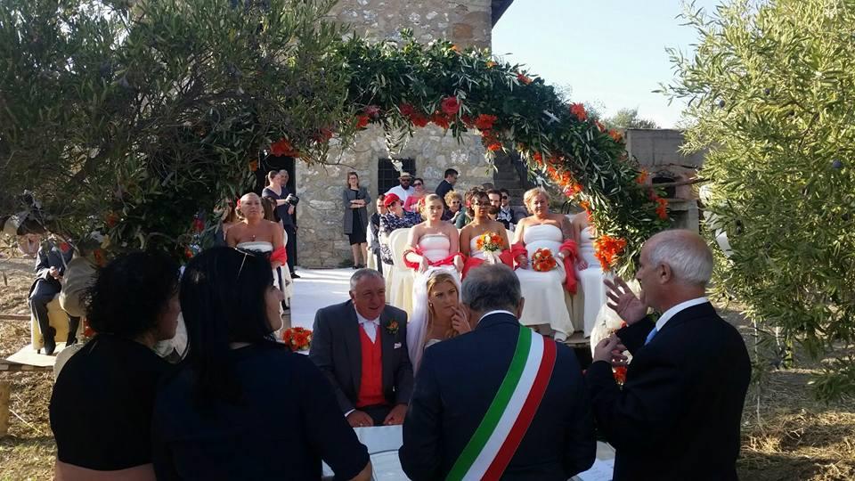 Cianciana: coppia inglese compra terreno, casa e si sposa con 42 invitati arrivati dalla Gran Bretagna