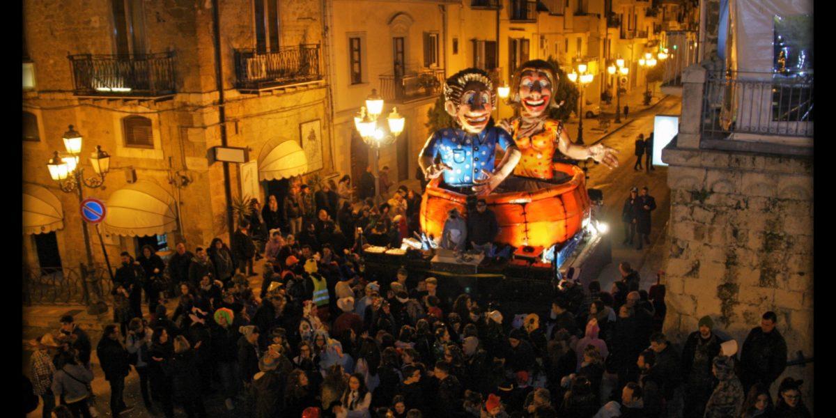 """Carnevale 2018: le foto del carro allegorico """"Noi non ci arrendiamo mai"""""""