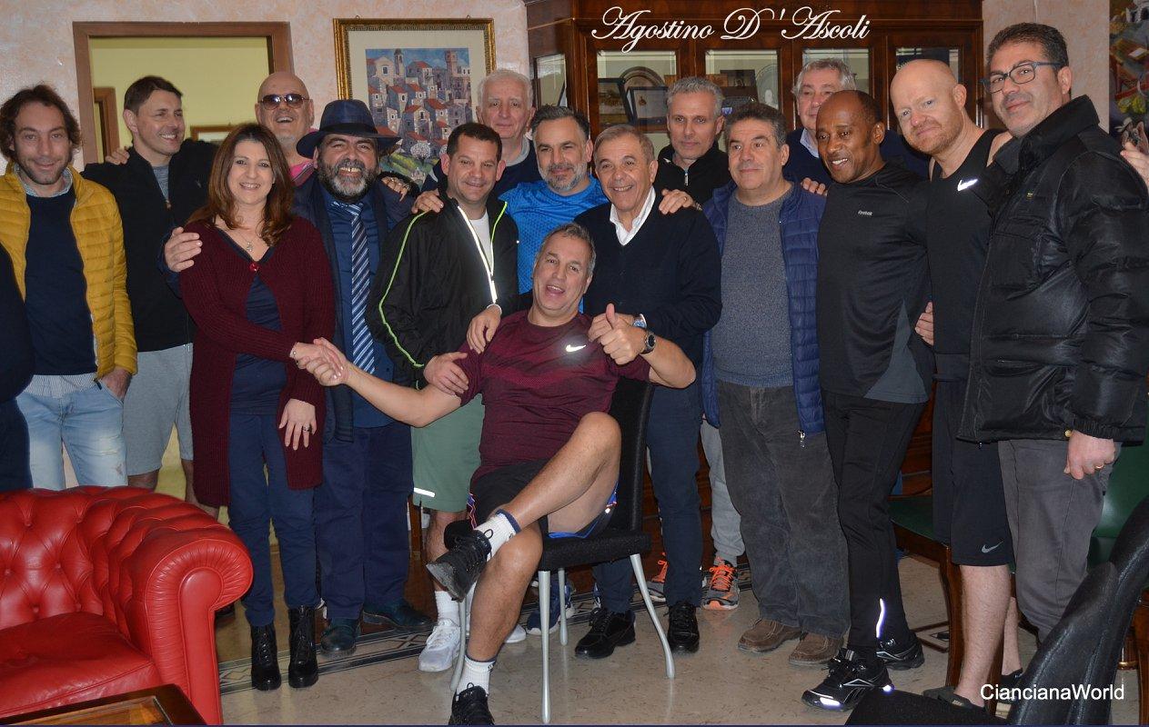 Gruppo di inglesi a Cianciana