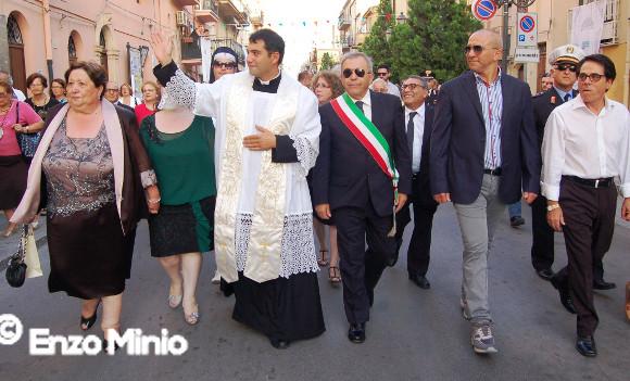 Cianciana accoglie il neo sacerdote Andrea Carubia: prima messa alla Chiesa Madre