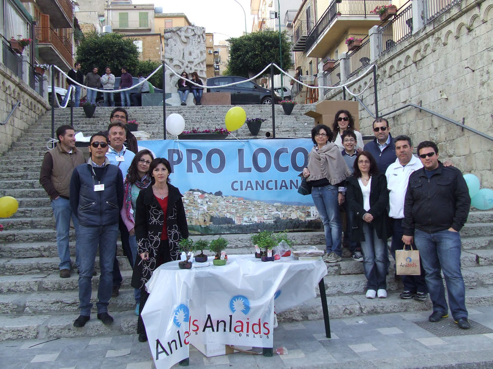 "Giornata ""Bonsai AID AIDS 2014″"