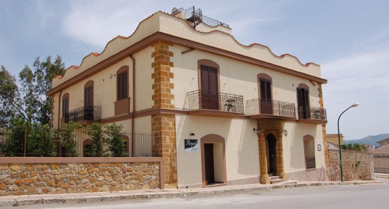 Villa Platani: Bed & Breakfast, Guest House – Cianciana (AG)